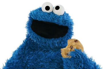 Cookie monster with cookie